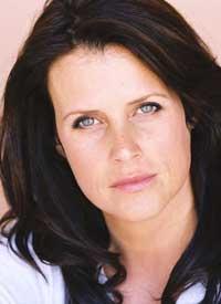 Speaker Lisa Oz