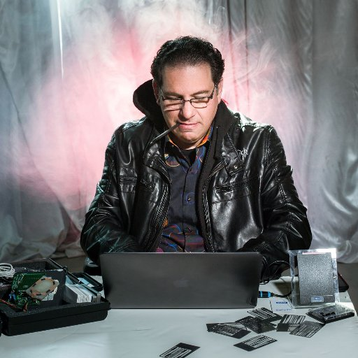 kevin-mitnick-image-search-icon-at-work-at-the-computer