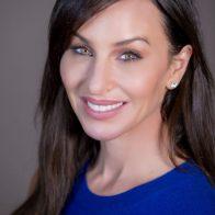 Molly Bloom – Virtual Keynote Speaker
